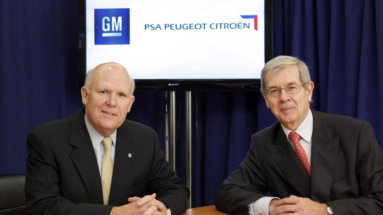 GM CEO Dan Akerson and PSA Peugeot Citroën Chairman of the Managing Board Philippe Varin sign global alliance 29.2.2012