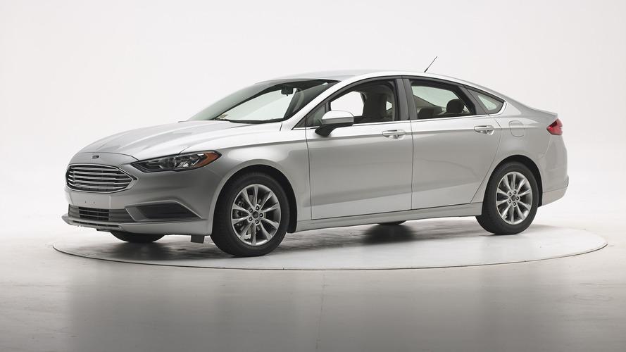 Ford Fusion IIHS 2017 Crash Test
