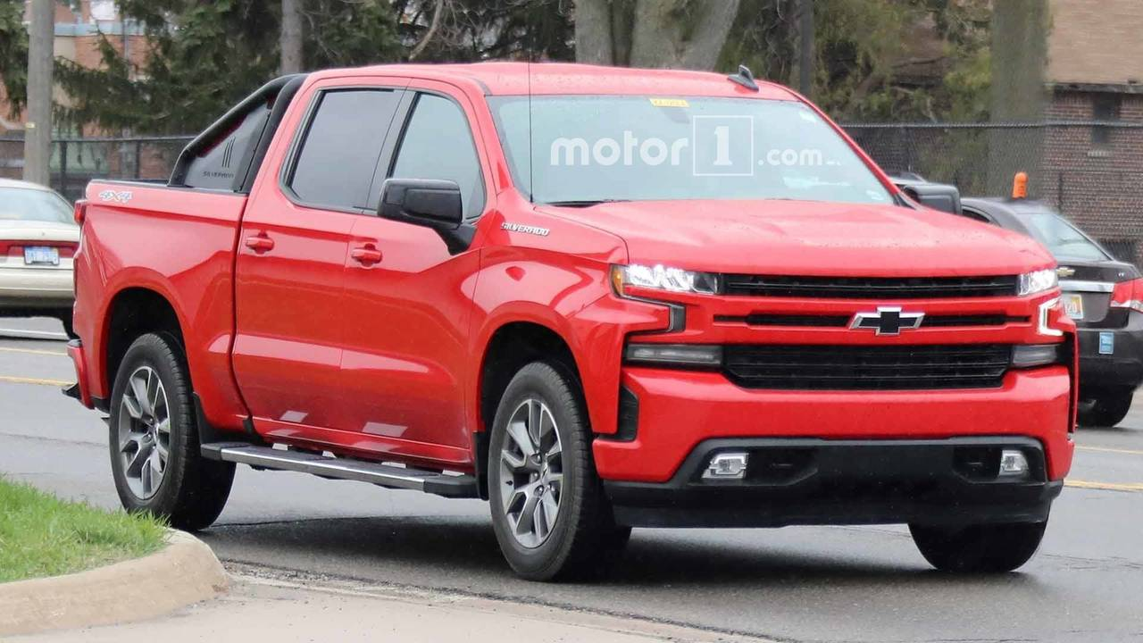 2019 chevrolet silverado rst looks sporty in spy photos. Black Bedroom Furniture Sets. Home Design Ideas
