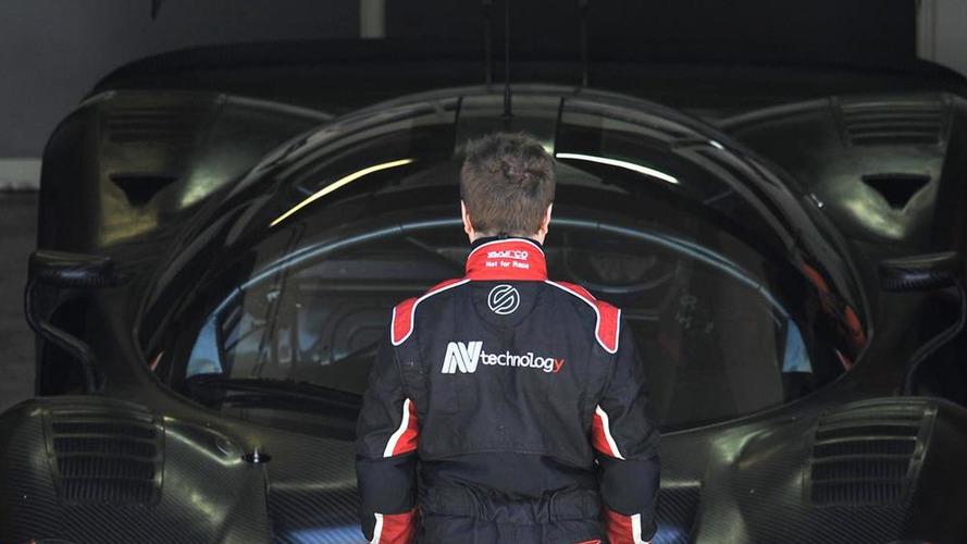 Ferrari P4/5 Competizione racing on the Nürburgring [video]